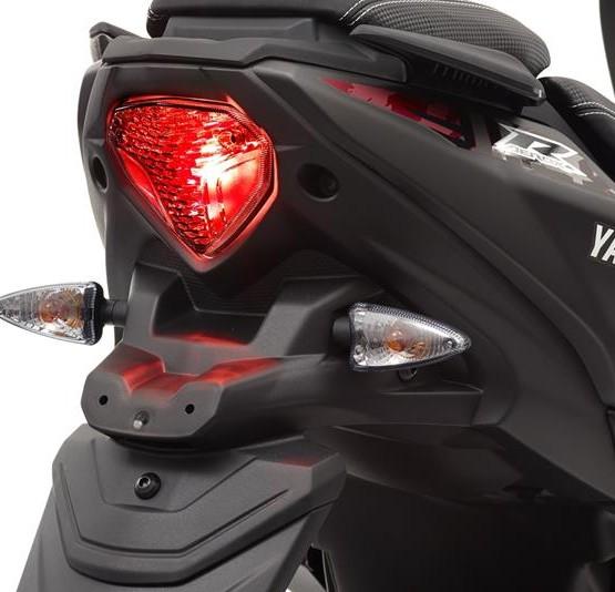 2015-Yamaha-AER50N-EU-Power-Black-Detail-011