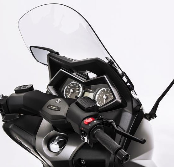 2015-Yamaha-T-MAX-SPECIAL-EU-Liquid-Darkness-Detail-020
