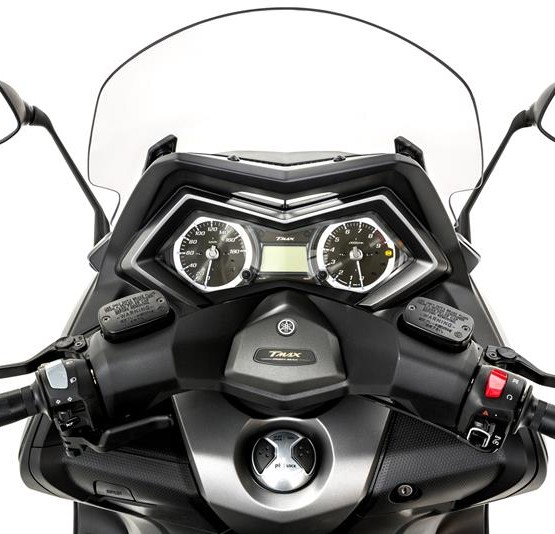 2015-Yamaha-T-MAX-SPECIAL-EU-Liquid-Darkness-Detail-022