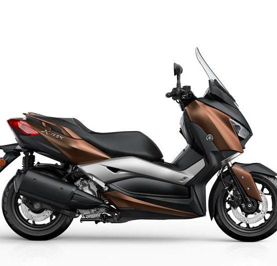 2017-Yamaha-X-MAX-300A-EU-Quasar-Bronze-Studio-002